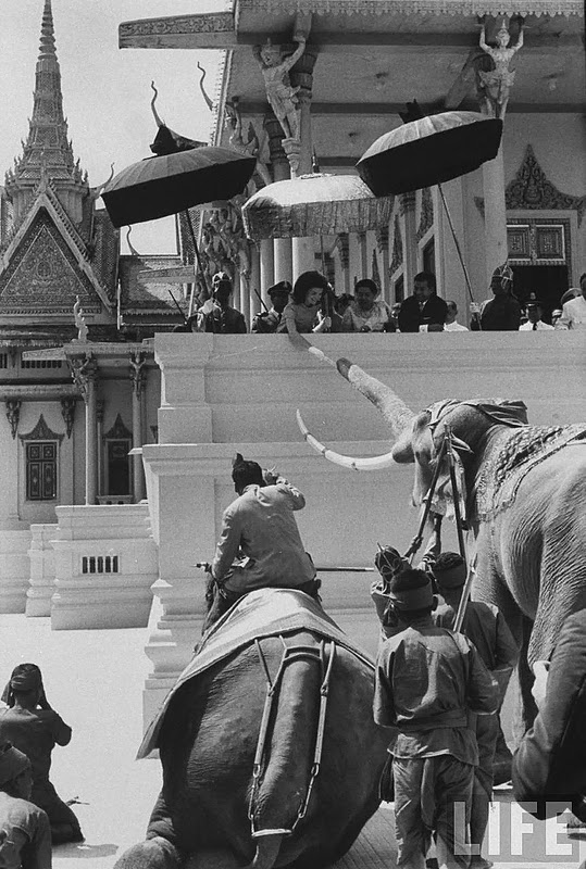 Hinh doc phu nhan co Tong thong Kennedy o Campuchia nam 1967-Hinh-5