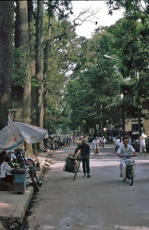 Loat anh kho quen ve xe may o Viet Nam dau thap nien 1990 (1)-Hinh-5