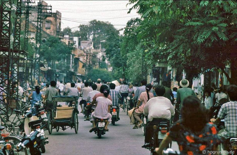 Loat anh kho quen ve xe may o Viet Nam dau thap nien 1990 (1)-Hinh-6