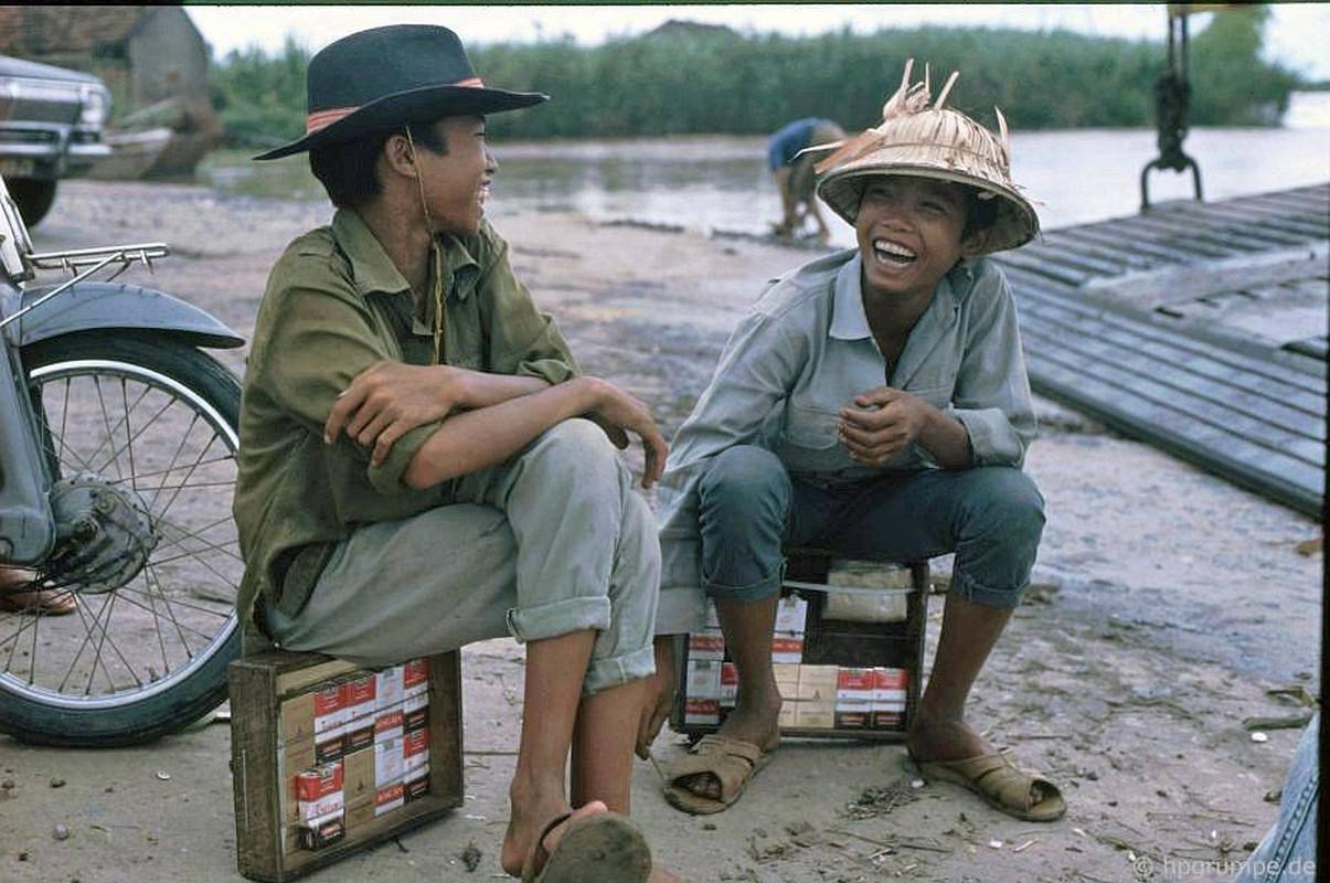 Loat anh kho quen ve xe may o Viet Nam dau thap nien 1990 (1)-Hinh-9