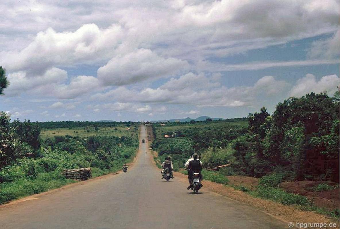 Loat anh kho quen ve xe may o Viet Nam dau thap nien 1990 (2)-Hinh-10