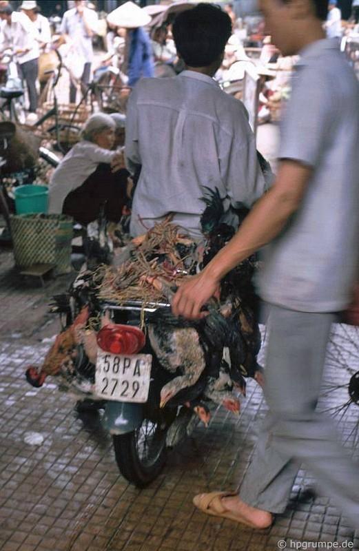 Loat anh kho quen ve xe may o Viet Nam dau thap nien 1990 (2)-Hinh-7
