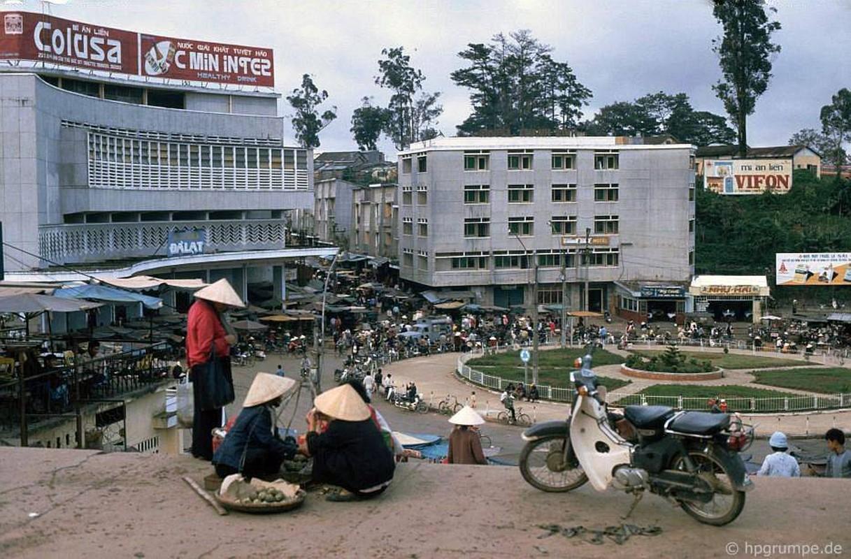Loat anh kho quen ve xe may o Viet Nam dau thap nien 1990 (2)-Hinh-8