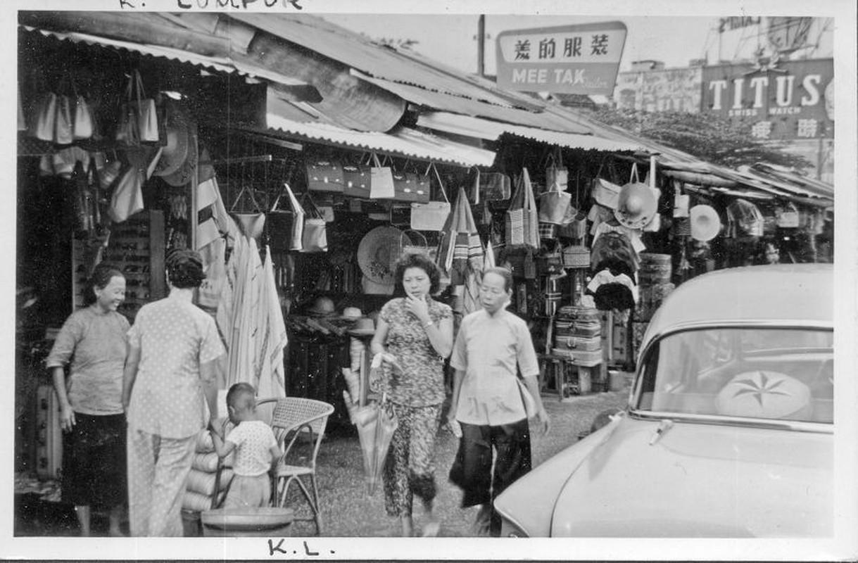 Khung canh trang le o thu do Malaysia nam 1961-1962-Hinh-6