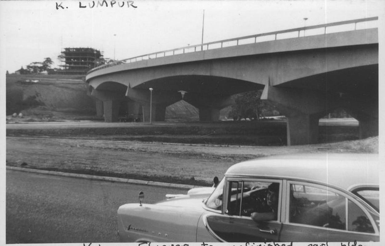 Khung canh trang le o thu do Malaysia nam 1961-1962-Hinh-8