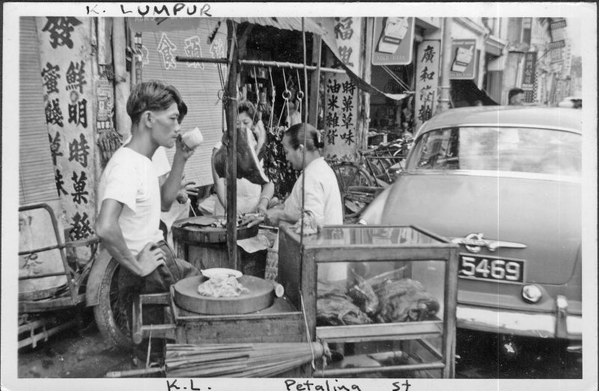 Khung canh trang le o thu do Malaysia nam 1961-1962-Hinh-9