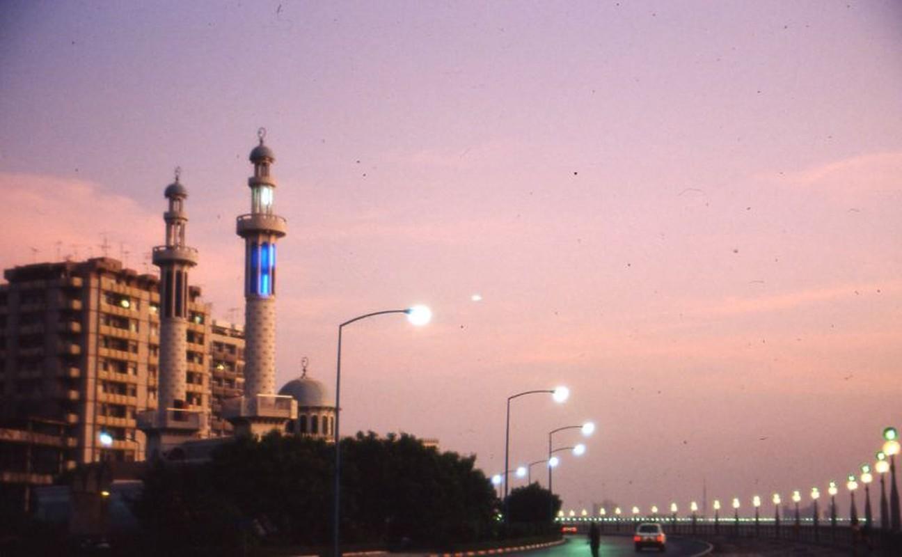 Soi cuoc song trong mo o thanh pho noi tieng nhat UAE thap nien 1980-Hinh-8