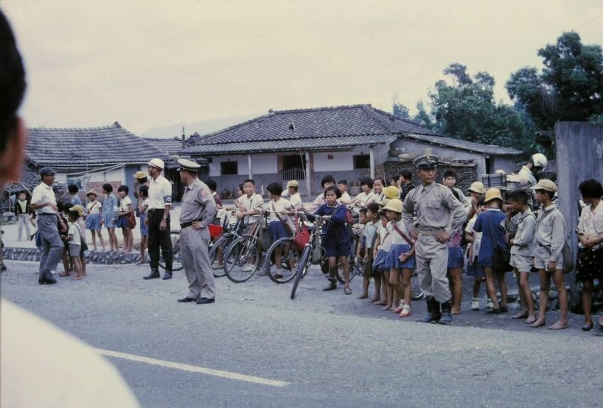 Bo anh chat lu ve cuoc song o Dai Loan thap nien 1970-Hinh-9