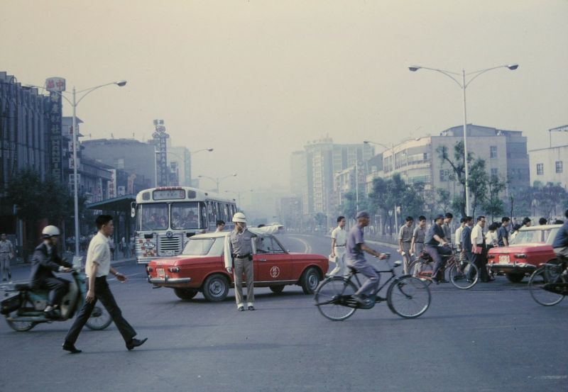 Bo anh chat lu ve cuoc song o Dai Loan thap nien 1970