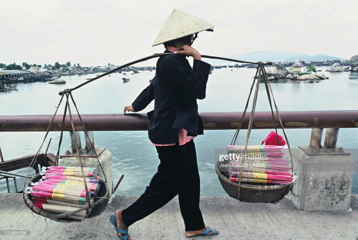 Ngam loat anh sieu doc la ve ba mien Viet Nam nam 1994-Hinh-3