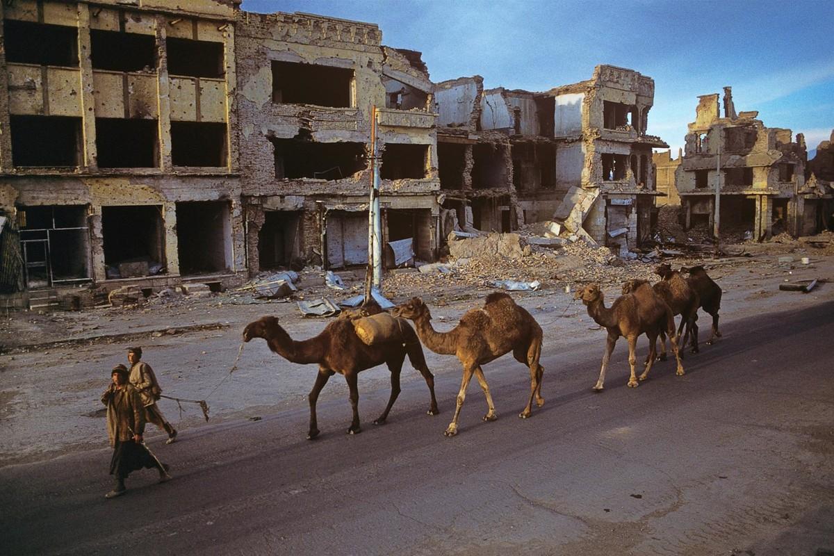 Anh cuc hiem ve cuoc song binh yen o Afghanistan thap nien 1990-Hinh-2