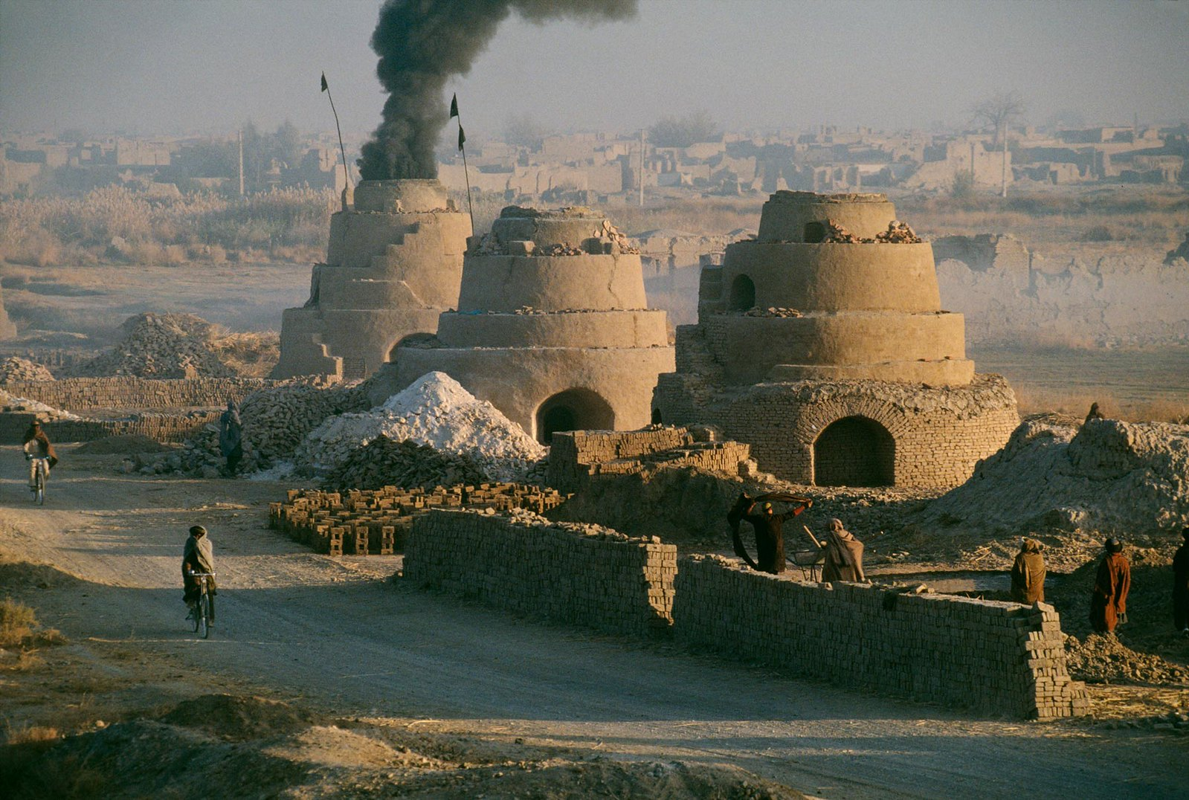 Anh cuc hiem ve cuoc song binh yen o Afghanistan thap nien 1990-Hinh-4