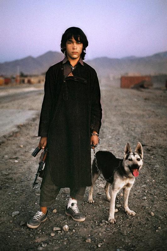 Anh cuc hiem ve cuoc song binh yen o Afghanistan thap nien 1990-Hinh-6