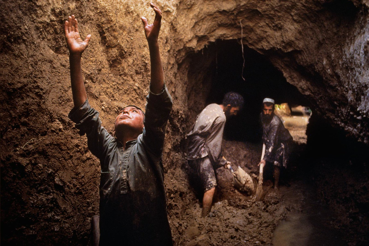 Anh cuc hiem ve cuoc song binh yen o Afghanistan thap nien 1990-Hinh-8