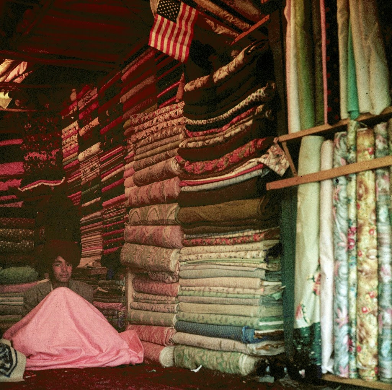 Bat ngo cuoc song binh yen sung tuc o thu do Afghanistan thap nien 1960-Hinh-10