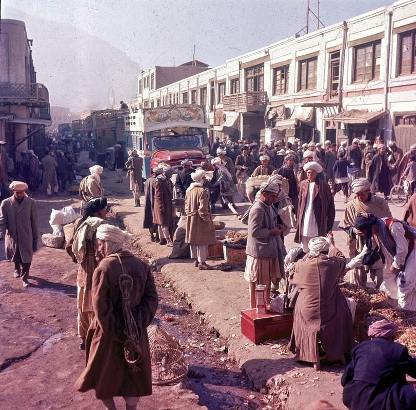 Bat ngo cuoc song binh yen sung tuc o thu do Afghanistan thap nien 1960-Hinh-12