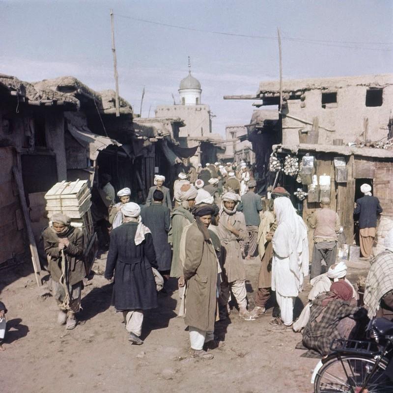 Bat ngo cuoc song binh yen sung tuc o thu do Afghanistan thap nien 1960-Hinh-3