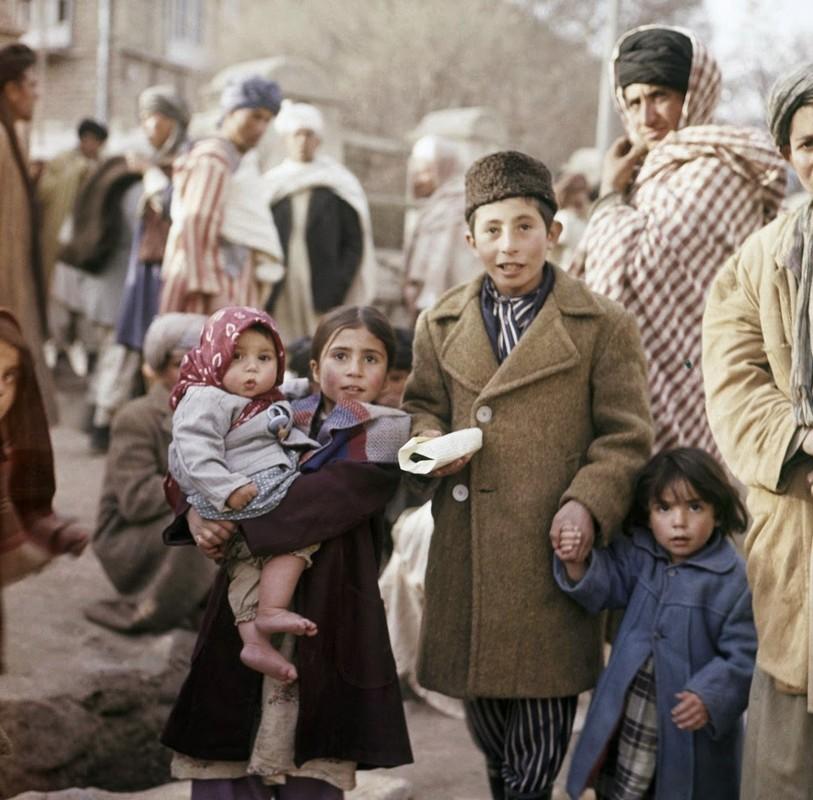 Bat ngo cuoc song binh yen sung tuc o thu do Afghanistan thap nien 1960-Hinh-5