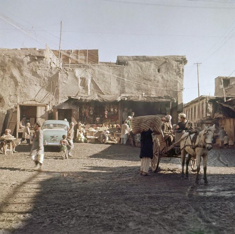 Bat ngo cuoc song binh yen sung tuc o thu do Afghanistan thap nien 1960-Hinh-6