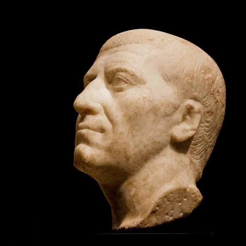 Sai lam chi mang khien nha doc tai Julius Caesar bi am sat-Hinh-3
