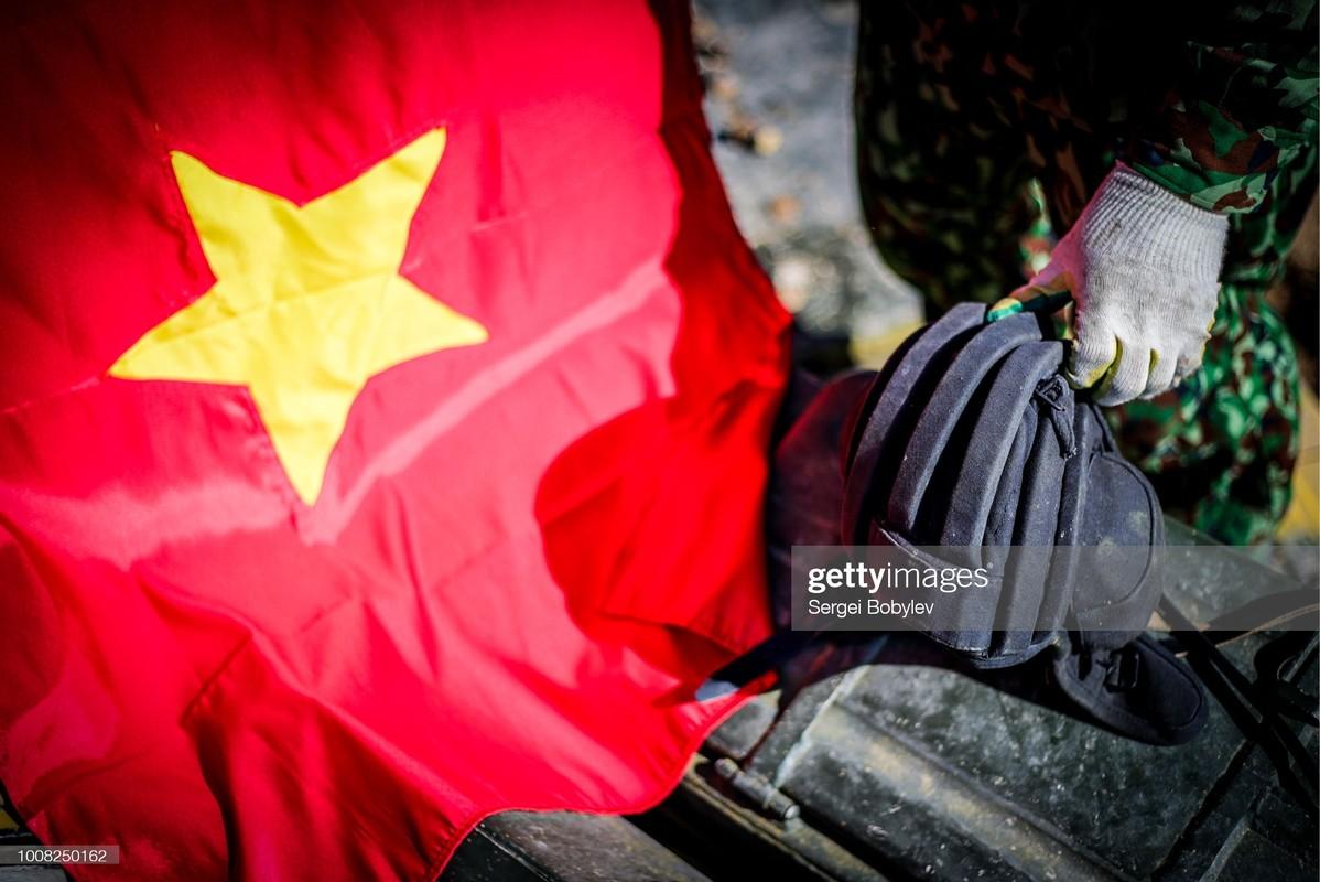 Hinh anh kieu hanh ve quoc ky Viet Nam cua phong vien quoc te-Hinh-10