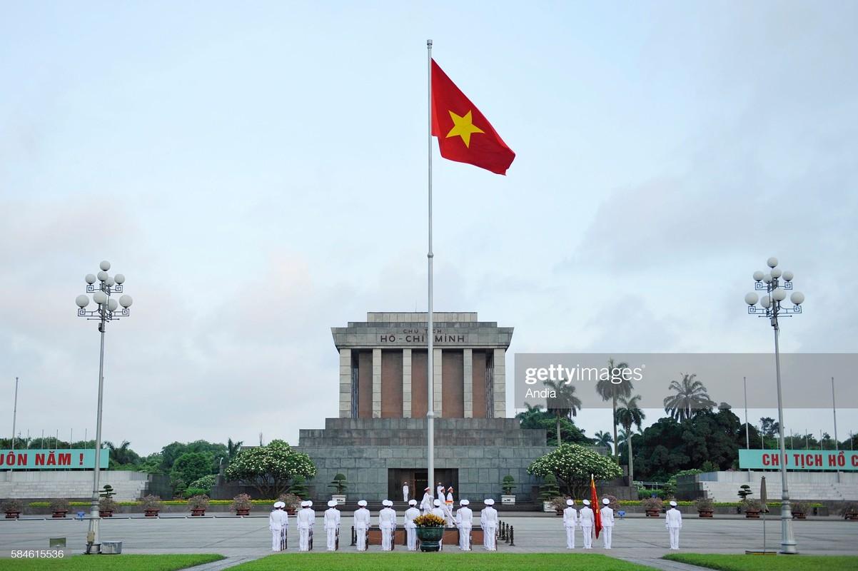Hinh anh kieu hanh ve quoc ky Viet Nam cua phong vien quoc te-Hinh-2