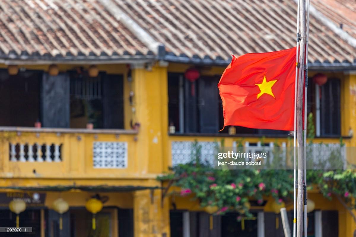 Hinh anh kieu hanh ve quoc ky Viet Nam cua phong vien quoc te-Hinh-6