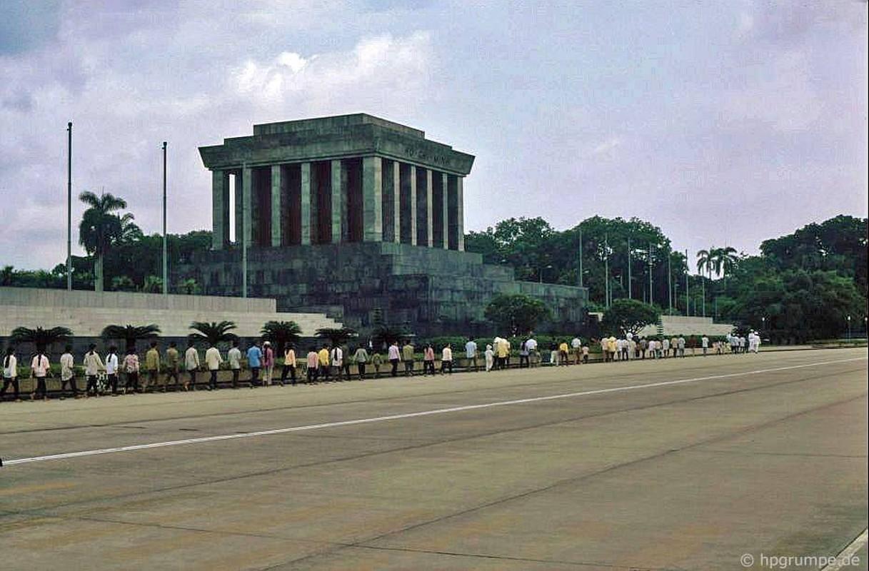 Boi hoi ngam Quang truong Ba Dinh nam 1991 qua anh nguoi Duc-Hinh-2
