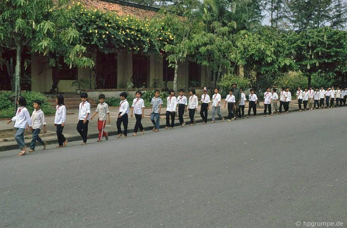 Boi hoi ngam Quang truong Ba Dinh nam 1991 qua anh nguoi Duc
