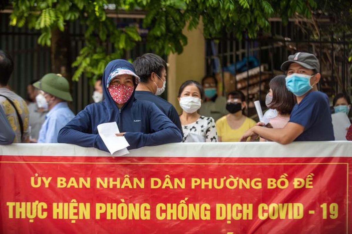 Chen lan tai diem tiem vaccine Covid-19-Hinh-5