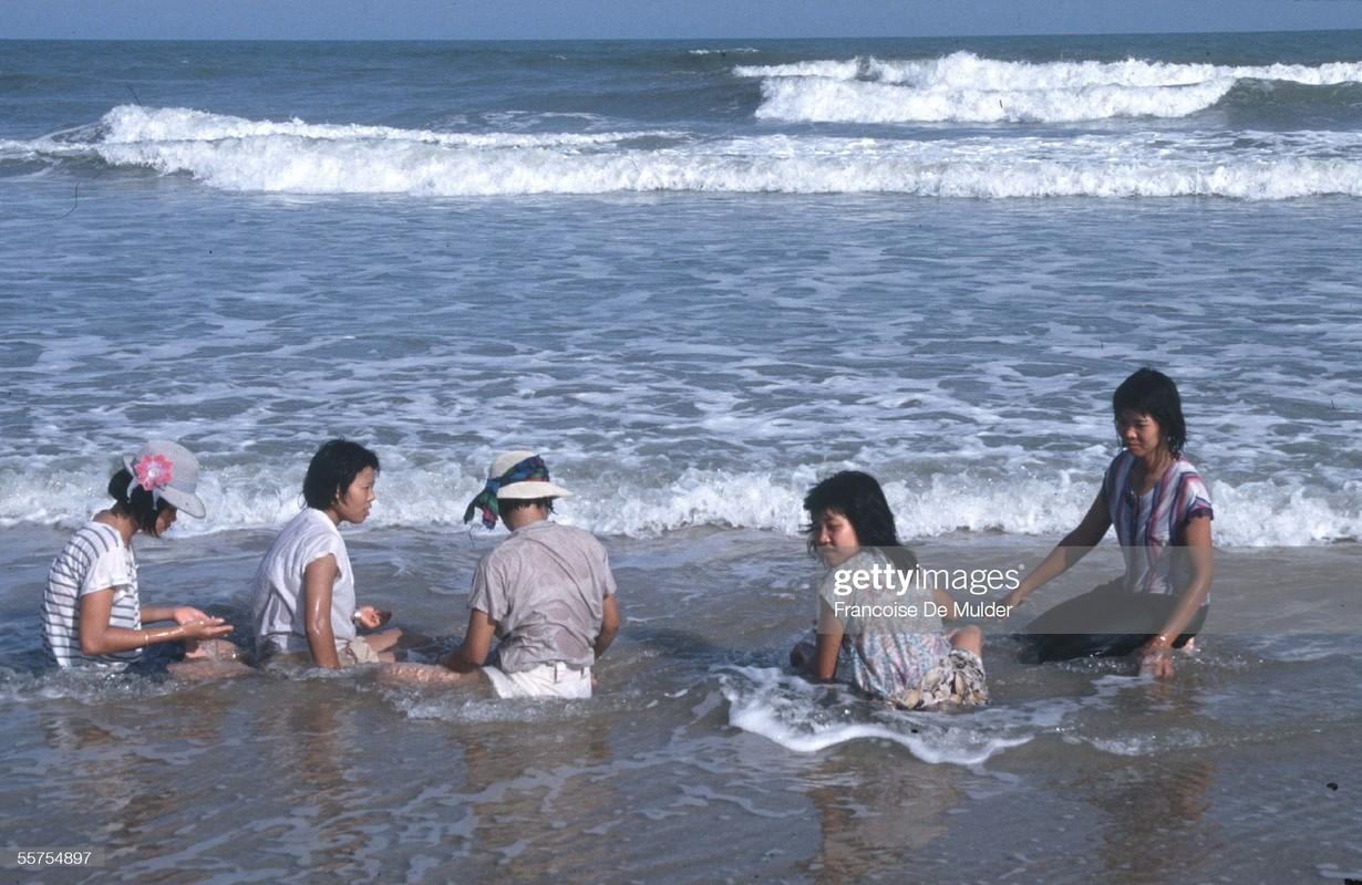 Ngam loat anh de doi ve Vung Tau nam 1989-Hinh-2