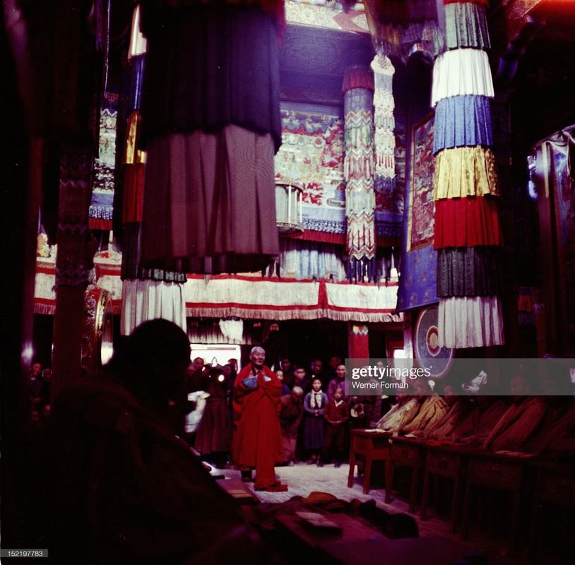Cuoc song tam linh huyen bi o thu do Mong Co nam 1962-Hinh-6