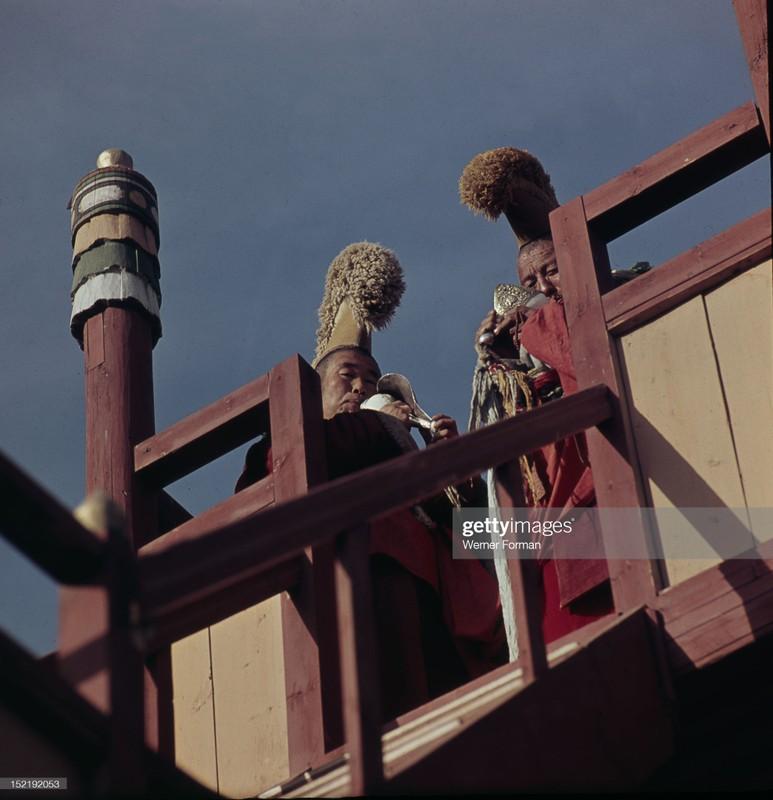 Cuoc song tam linh huyen bi o thu do Mong Co nam 1962-Hinh-7
