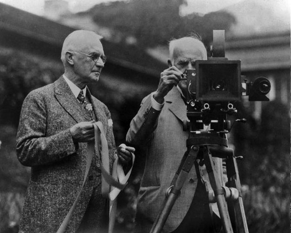 Dieu cuc bat ngo ve phat minh may quay phim cua Thomas Edison-Hinh-9