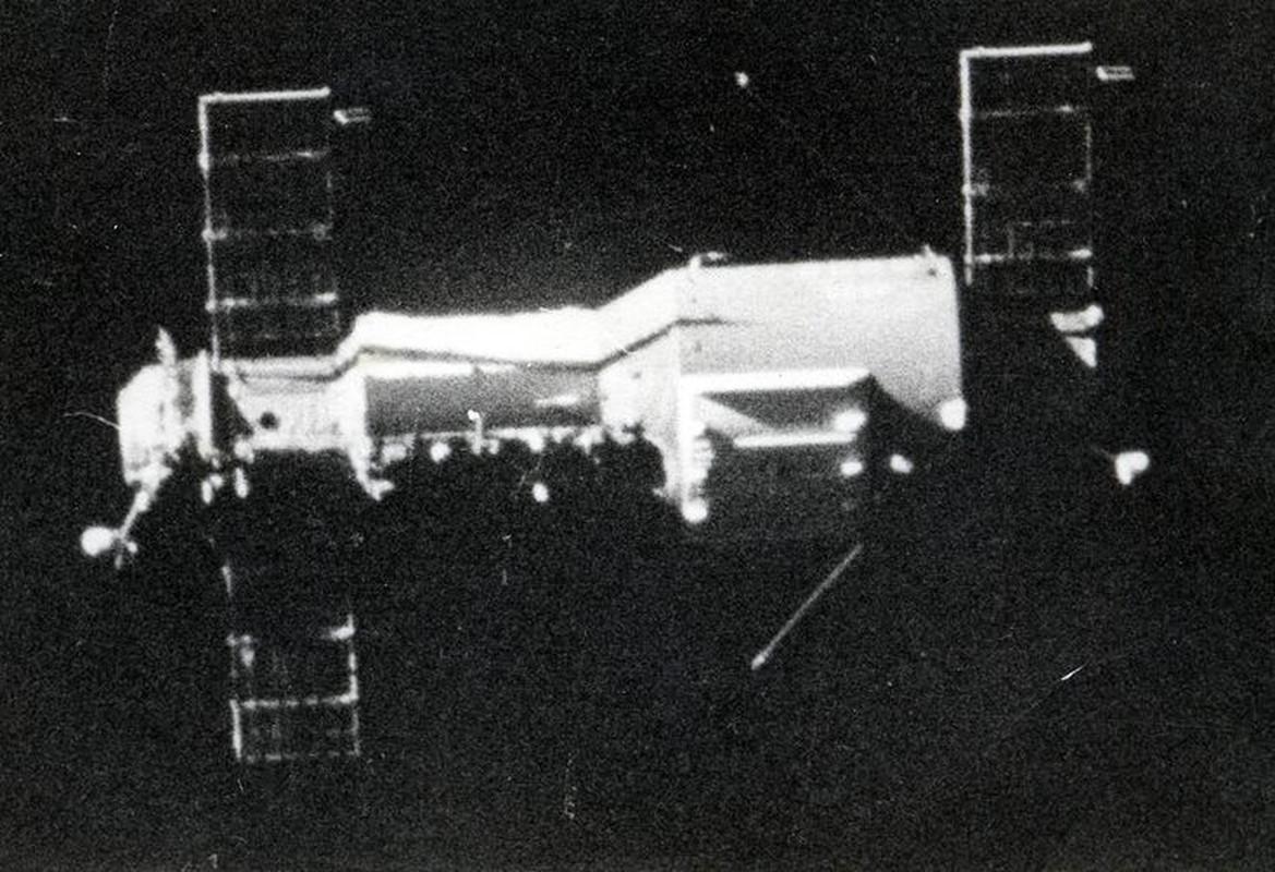 Giai ma tham kich hang khong vu tru Lien Xo nam 1971-Hinh-3
