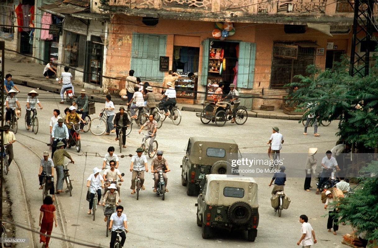 Loat anh cuc thu vi ve giao thong o Ha Noi nam 1989-Hinh-3