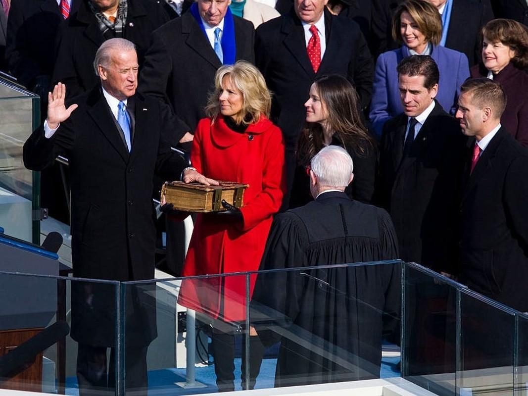 He lo 5 lan cau hon vo cua ong Joe Biden-Hinh-9