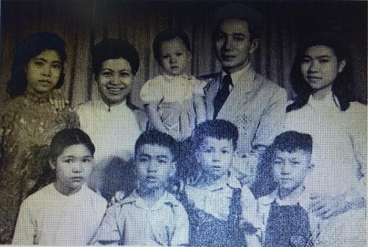 Dieu it biet ve nguoi hien tang hon 5.000 luong vang cho chinh quyen cach mang-Hinh-5
