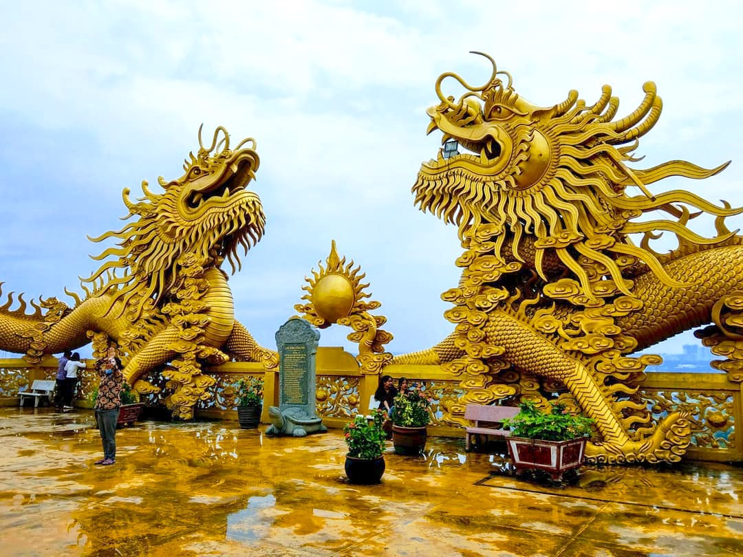 Chua nao o Binh Duong co 2 doi rong vang khong lo?