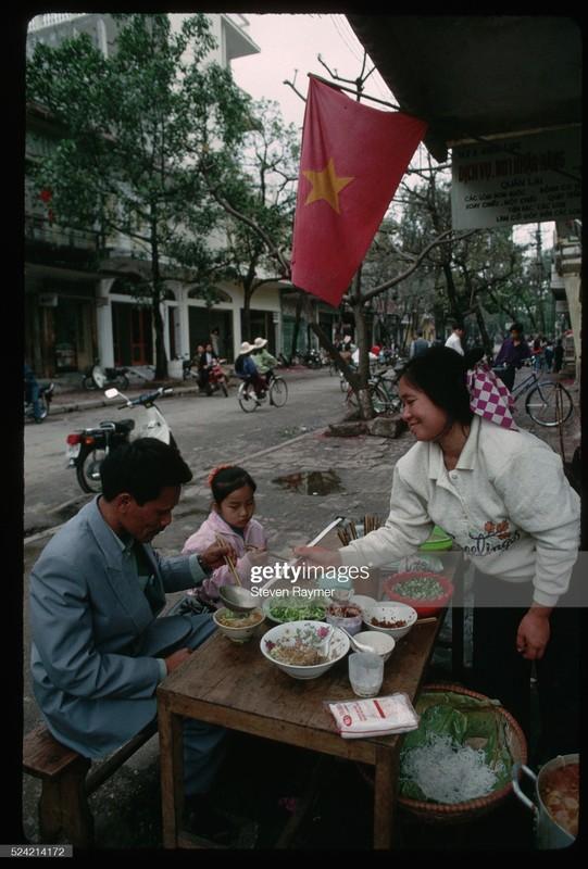 Rung rung canh Tet xua o Viet Nam qua ong kinh phong vien nuoc ngoai-Hinh-4