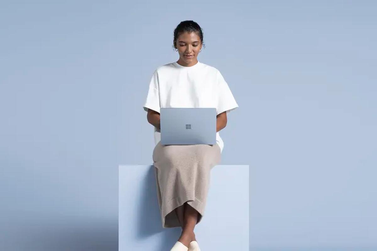 Lo dien laptop moi cua Microsoft, doi thu nang ky cua MacBook Air-Hinh-7