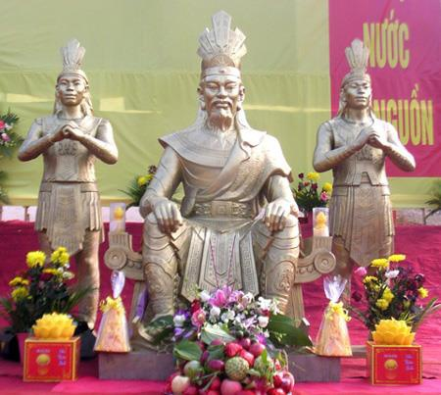 Vi sao 18 doi vua Hung nhung chi co mot ngay gio to?
