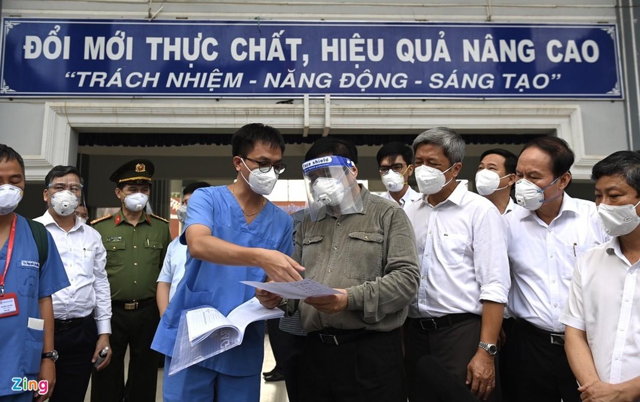 Thu tuong xuong tan noi kiem tra cong tac chong dich o Binh Duong-Hinh-9