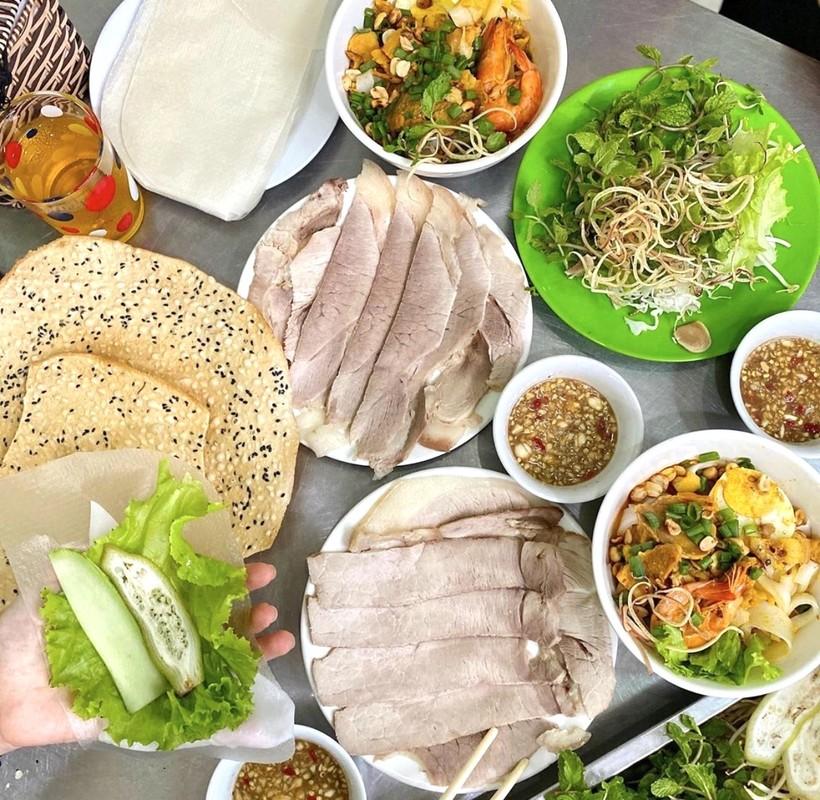 "6 mon cuon banh trang noi tieng Viet Nam, nghe ten ""them nho dai""-Hinh-5"