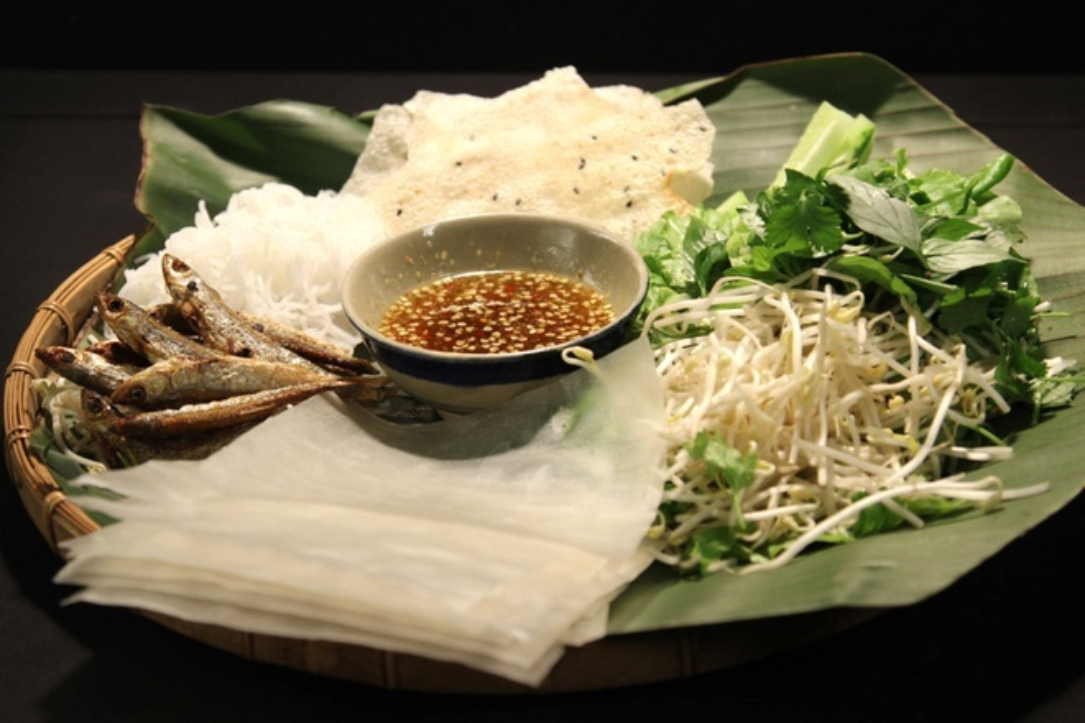 "6 mon cuon banh trang noi tieng Viet Nam, nghe ten ""them nho dai""-Hinh-7"