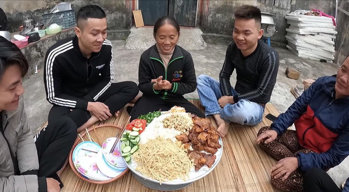 Ba Tan Vlog mac loi sai khi tro tai lam com tam