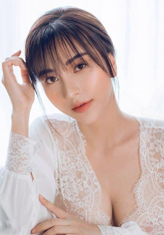 Ban gai cau thu Hoang Duc goi cam trong anh mung sinh nhat-Hinh-3