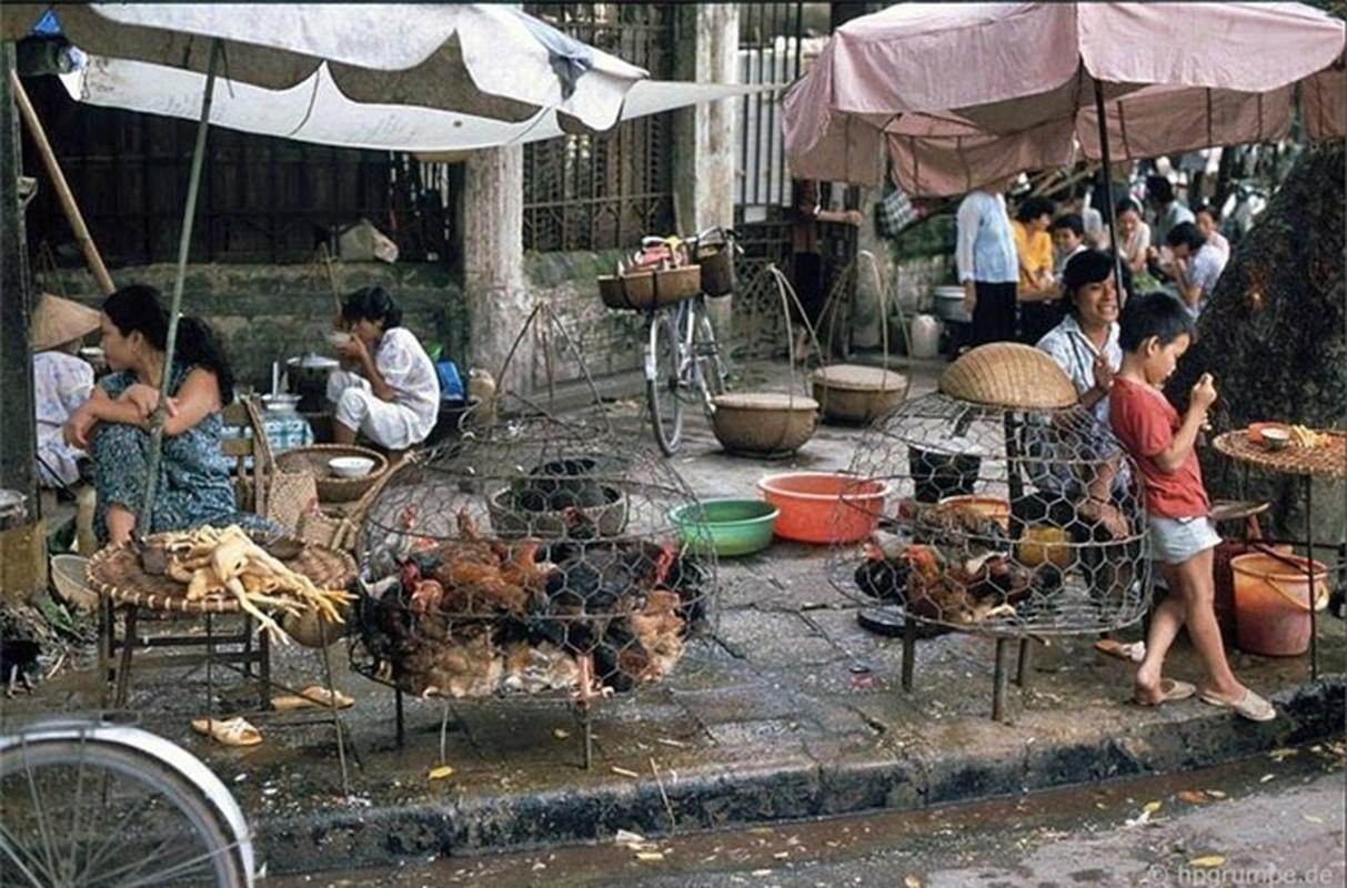 Nhip song Ha Noi qua nhung khu cho pho co nhung nam 1990-Hinh-10