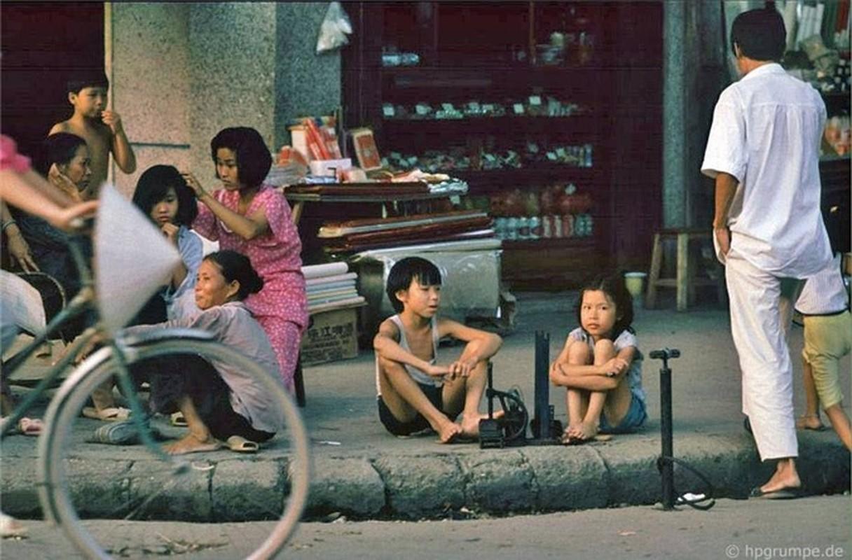 Nhip song Ha Noi qua nhung khu cho pho co nhung nam 1990-Hinh-14