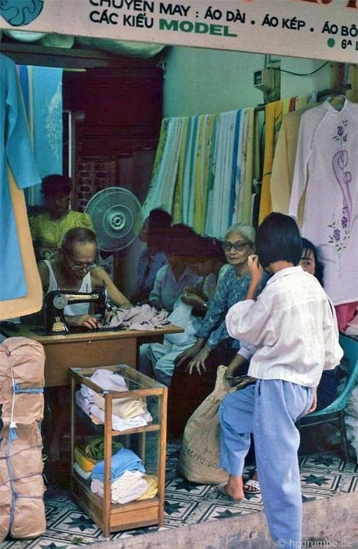 Nhip song Ha Noi qua nhung khu cho pho co nhung nam 1990-Hinh-16